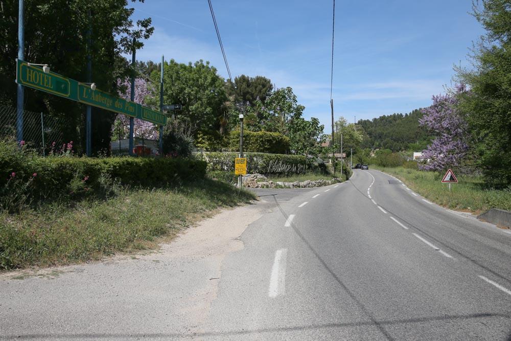 L auberge des pins sur la route du beausset - Office du tourisme le beausset ...