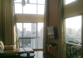 The Rajdamri – duplex condo for rent in Pathumwan, Bangkok | 150 m. to Ratchadamri BTS | Spectacular panoramic city views