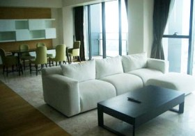 The Met Sathorn – Bangkok apartment for rent | 8 mins walk to Chong Nonsi BTS, 800 m. to Saladaeng BTS/Silom MRT