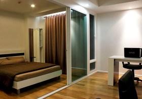 Focus on Saladaeng – condo for rent in Bangrak, Bangkok | 400 m. to Saladaeng BTS/Silom MRT | steps to shopping & dining options