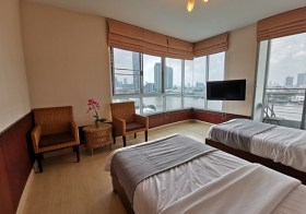 Supalai River Place – Bangkok riverside condo for rent | corner unit + full river view | 2.1 km. to Iconsiam | gym, pool, garden
