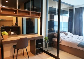 Life Asoke condo | 3 mins walk to Phetchaburi MRT & Makkasan airport link | corner unit, south facing, 1 extra room