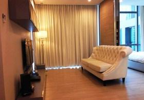 The Room Sukhumvit 21 condo| 650-750 m. to Sukhumvit-Phetchaburi MRT | 1-1.2km. to Asoke BTS & Makkasan airport link