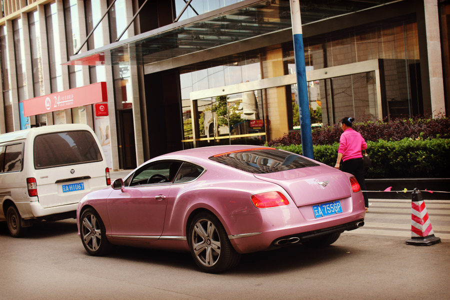 Voiture rose paillette de Barbie