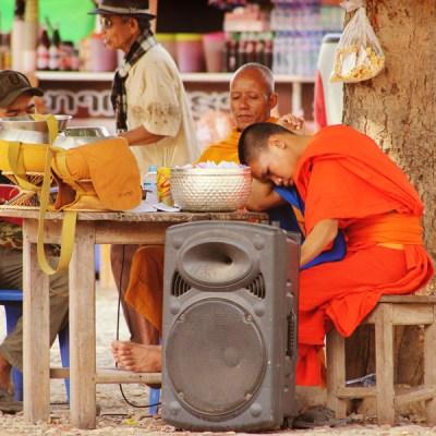 Collecte de fonds pour les moines
