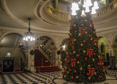 City Hall Tour, Belfast Christmas Market at City Hall Northern Ireland