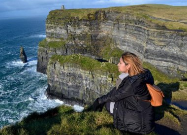 Fanfan Wilson Travel Blogger, Wild Atlantic Way Road Trip West Coast of Ireland