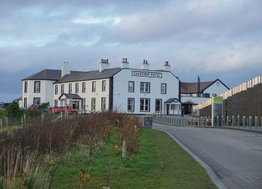 Bushmills Hotel, Free Entry to the Giants Causeway N Ireland
