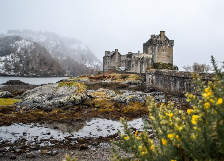 Eilean-Donan-Castle, Scotland Road Trip in Scottish Highlands in Winter Snow