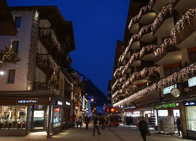 Christmas Nights in Zermatt, Interrail in Winter: Train Travel in Europe Itinerary