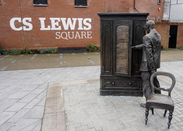 The Wardrobe Scultpure CS Lewis Square Belfast Northern Ireland