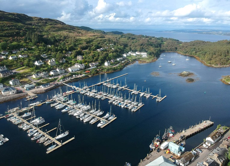 Views-over-Tarbert-Harbour-in-Mull-of-Kyntire-on-Scotland-Road-Trip
