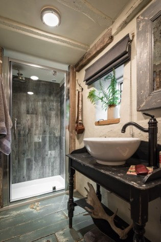 the-en-suite-shower-room-sits-of-the-master-bedroom