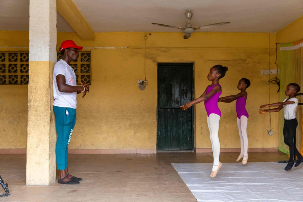 Escola de Ballet na Nigéria Leap of Dance | @Benson Ibeabuchi AFP/Getty