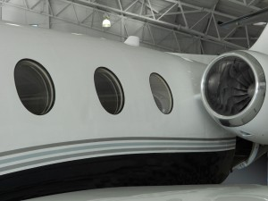 Banyan installed the Thrane and Thrane AVIATOR 200 Low Gain Antenna (LGA) on this Beech Jet 400A.