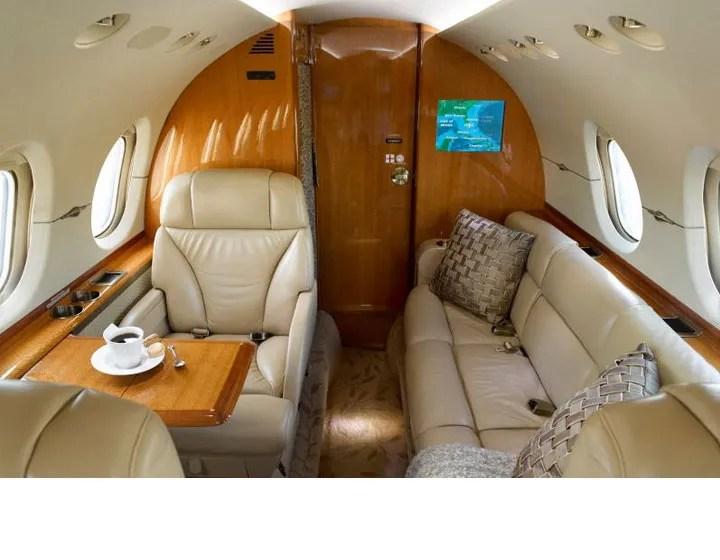 2006 Hawker 850XP aft divan