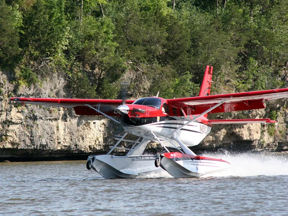 Quest Kodiak landing on water