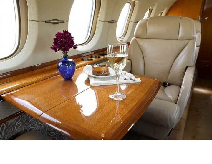 2006 Hawker 850XP table