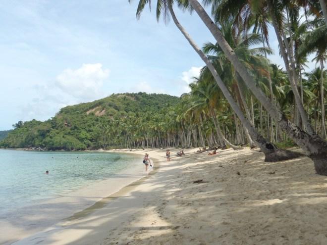 Plage de Las Cabanas sur l'île de Palawan