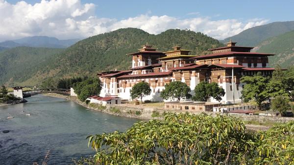 Dzong de Punakha au Bhoutan - blog Bar a Voyages