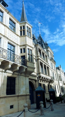 palais-ducal-luxembourg-blog-voyage-bar-a-voyages