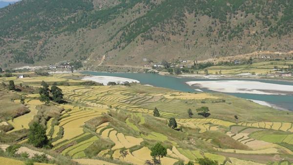 Paysage de Punakha au Bhoutan - blog Bar a? Voyages