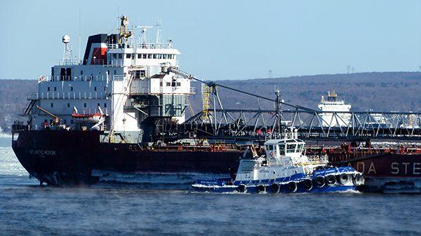 Le trafic portuaire ne faiblit pas, même en hiver ©Franck/Le Bar à Voyages