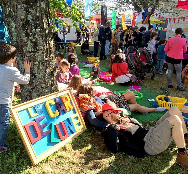 Jeux pour les petiots et sieste au soleil sur le Village de Musiques Métisses 2016 ©Le Bar à Voyages/Magali Renard
