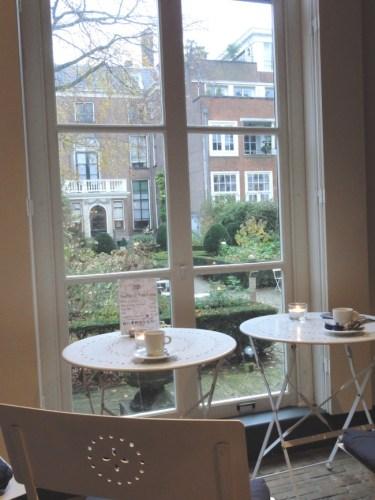 pause thé ou café face au jardin Van Loon - blog Bar à Voyages