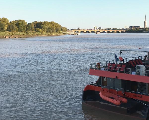 Bateau le Sicambre sur la Garonne