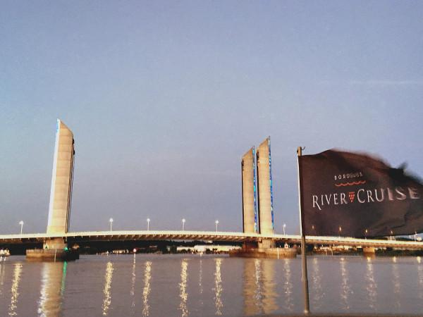 Le pont Chaban Delmas à Bordeaux depuis le Sicambre