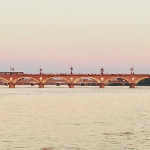 pont pierre sicambre - blog bar a-voyages