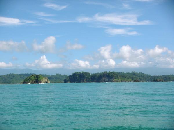 Balade en catamaran le long des côtes costariciennes