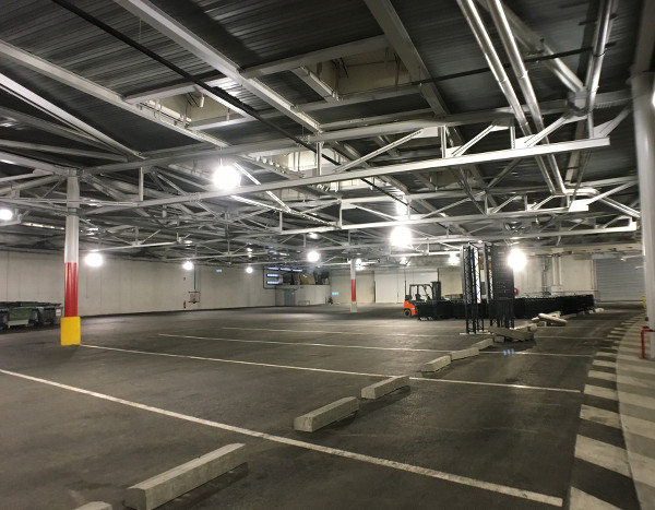 La cour logistique de l'Arkea Arena