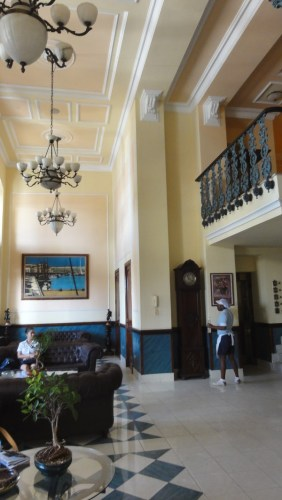 le hall de l'hôtel Armadores de Santander à La Havane