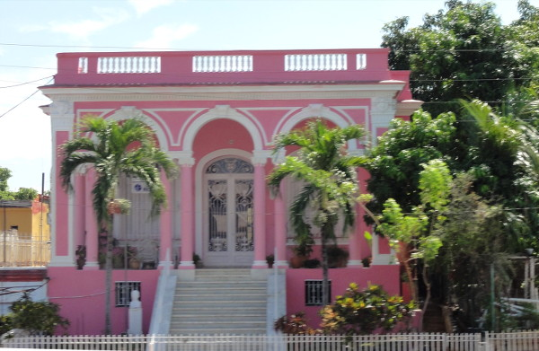 maison coloniale rose de La Havane