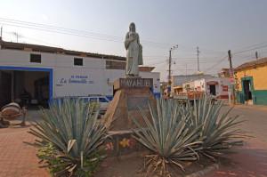 La statua di Mayahuel nel paese di Tequila nel Jalisco