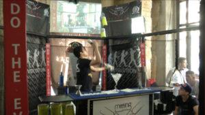 Il barman acrobatico è sempre più ricercato dal mercato di oggi
