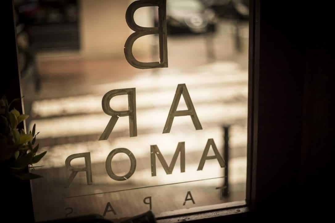 Puerta del Bar Amor