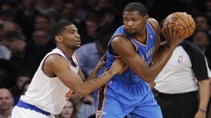 Kevin Durant (with ball) led the Thunder's victory charge down the stretch.