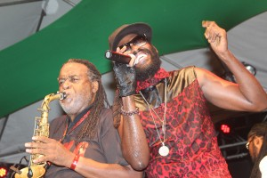 Dean Frazer and Taurrus Riley in a lively rendition.