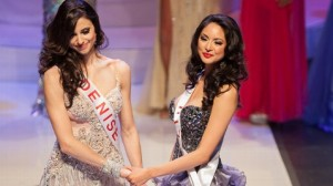 Contestants Denise Garrido (left) and Riza Santos.