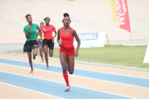 Victrix-ludorum-Kaneil-Gale-winning-the-200m.