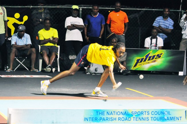 Rachel Smith came from a set down to defeat Suzanne Scantlebury in the ladies' division.