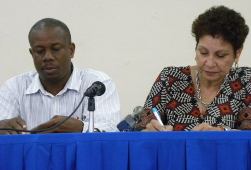 President of the BUT Pedro Shepherd (left) and president of the BSTU Mary Redman.