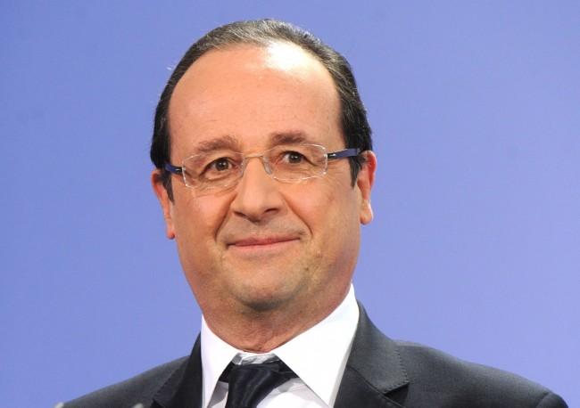 Francois-Hollande-un-Pingouin-Il-le-prend-avec-le-sourire