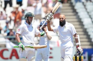 Hashim Amla (right) and AB de Villiers (left) shared a major partnership for South Africa.