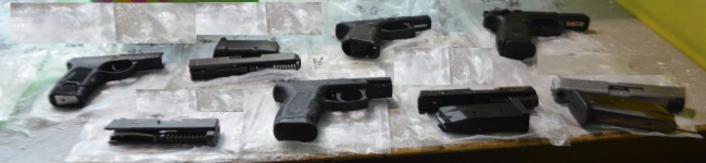 4 guns seized at Port