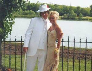 """Christina Spradling-Earls and her """"soul mate"""" Michael Earls, pictured here at their high school prom, got married two weeks ago."""