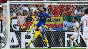 Nikola Kalinic (in blue) scores Croatia's first goal.